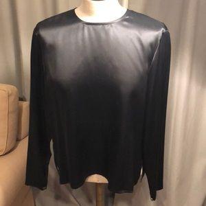 Ellen Tracy 100% Silk Black top w/ buttons P12
